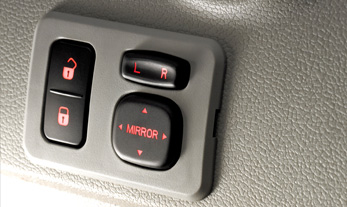 Mahindra Verito Comfort Features – Electric ORVM Controls